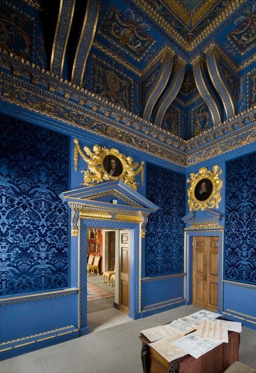 55. Chiswick Blue Velvet Room. Photo Richard Bryant