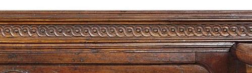 Tuscan carved walnut cassapanca 2nd half C16 Christies 5Nov2009 Lot238