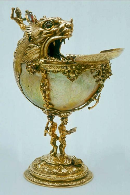 Nautilus shell cup Prinsenhof Museum Delft 3
