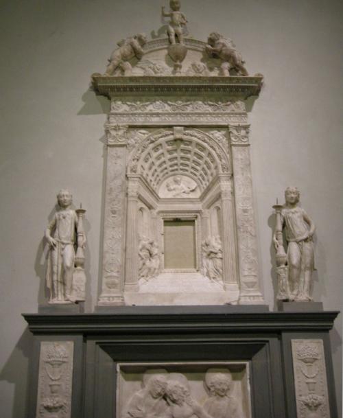 Fig 46 Desiderio da Settignano Tabernacle S Lorenzo sm