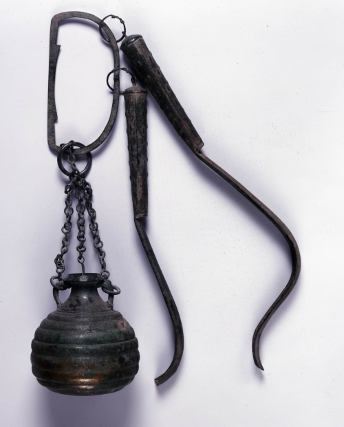 3 Oil flask & two strigils British Museum BM image