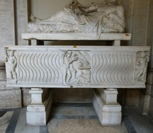 5 Sarcophagus Rotonda Vatican Museums 2sm