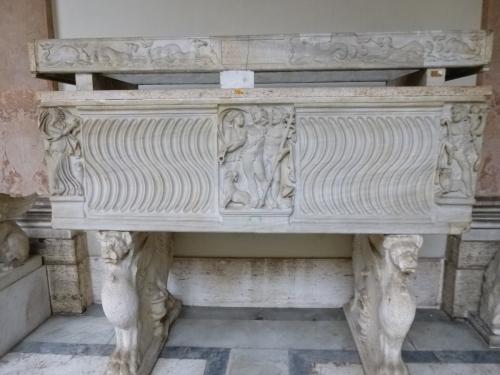 6 Sarcophagus Rotonda Vatican Museums sm