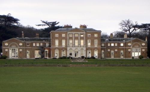 16-woodhall-park