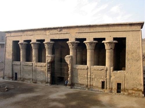 47-esna-temple-of-khnum-by-john-campana