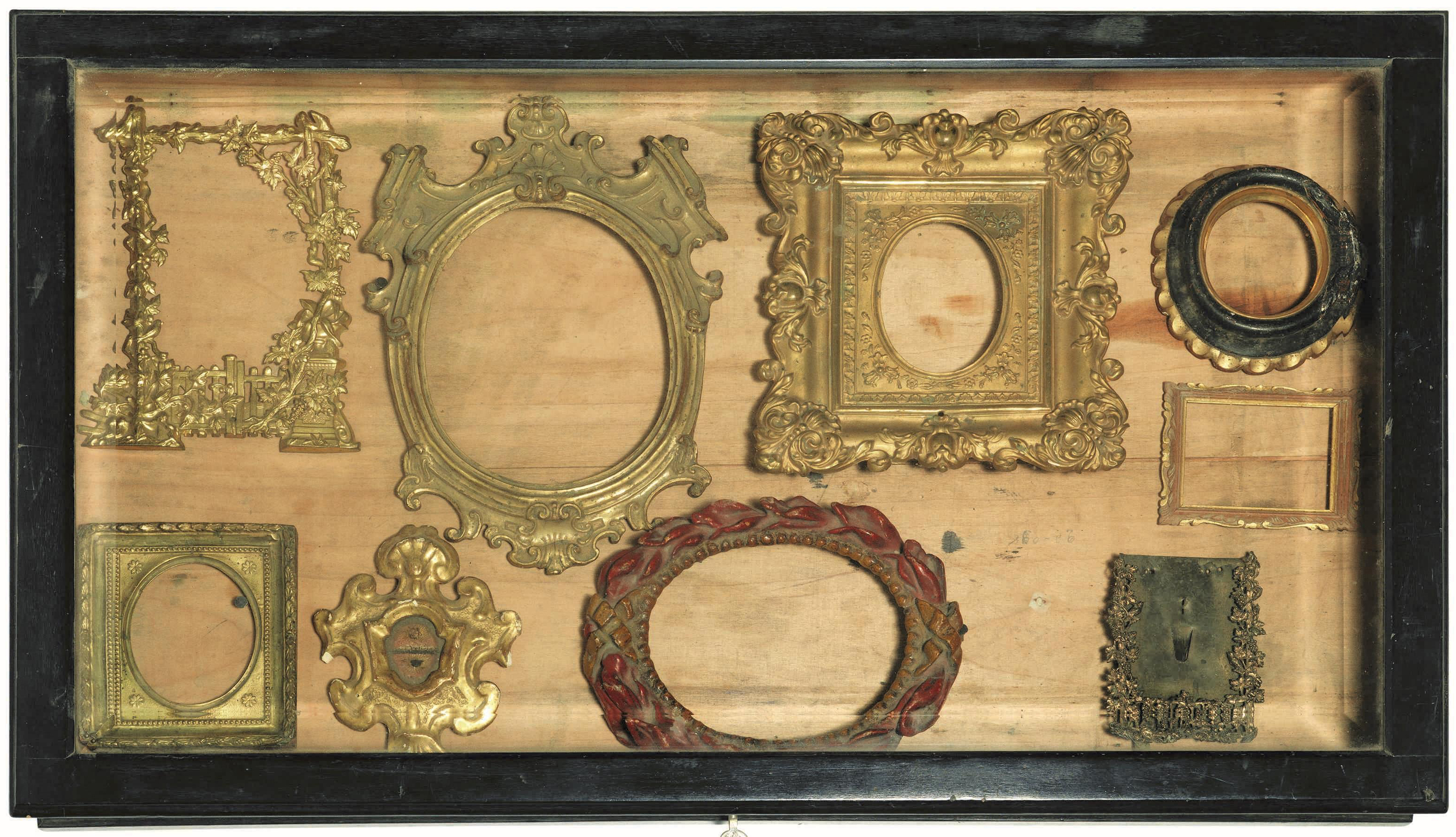 28 february 2017 the frame blog t collection of 9 small frames c18 to jeuxipadfo Gallery
