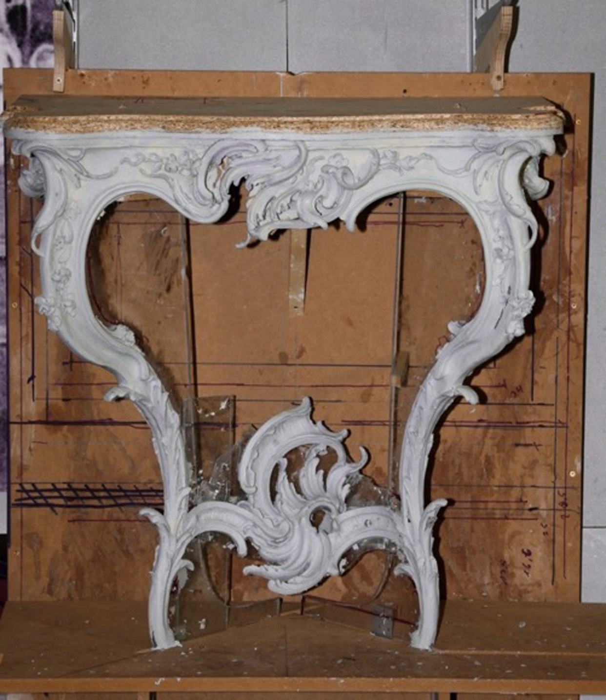 Decorative Arts Antiques Vintage 2 Wooden Carved Picture Frames With Deers Bright Luster