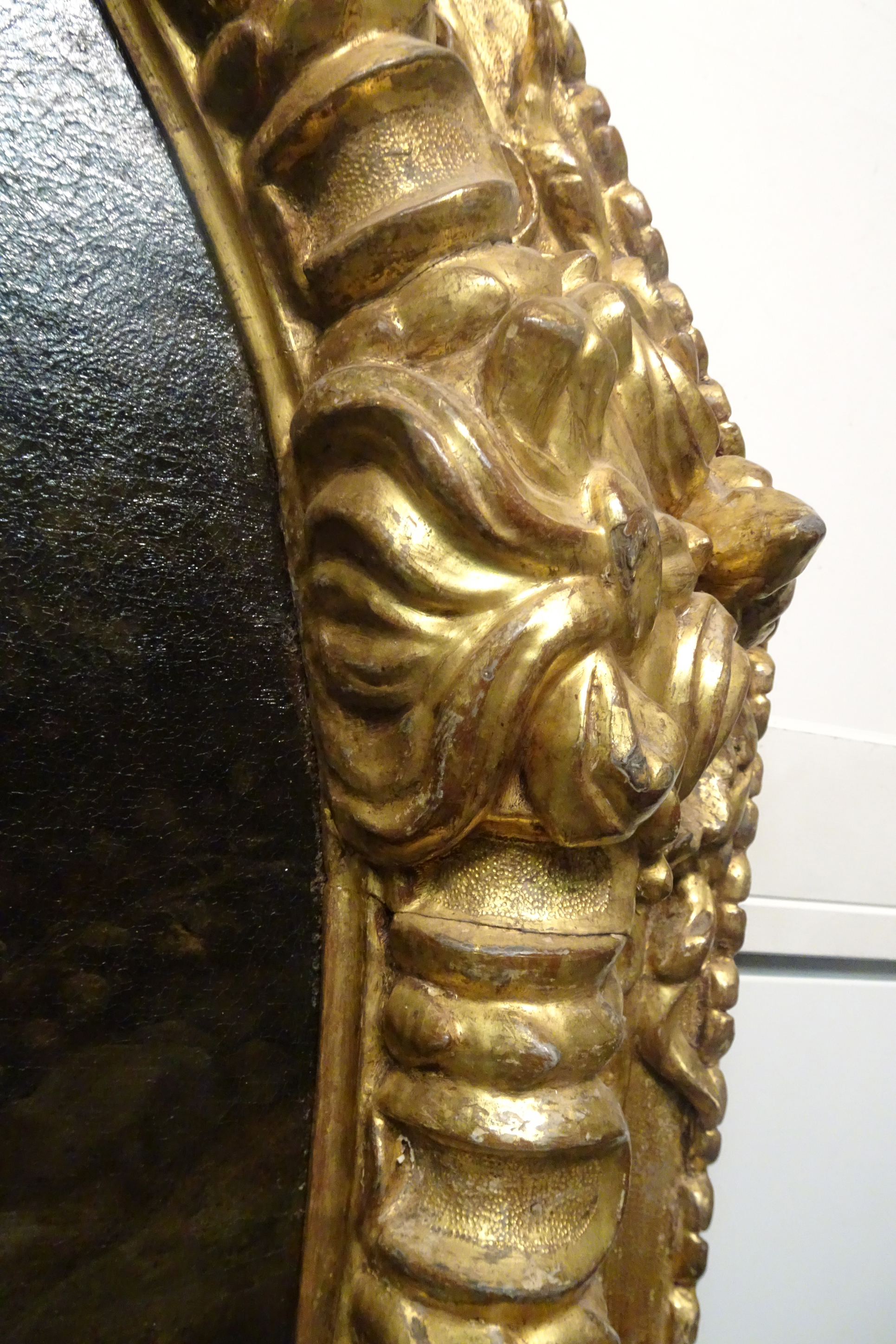 16A Clasp showing torch or lion s mane